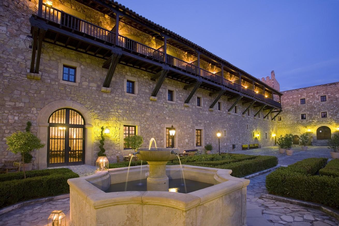 8 castillos palacios ideales para bodas paradores bodas - Parador de la granja fotos ...